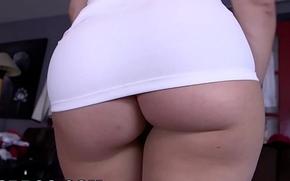 BANGBROS - AVN Winner Anikka Albrite Takes On A Monster Cock (mc14554)